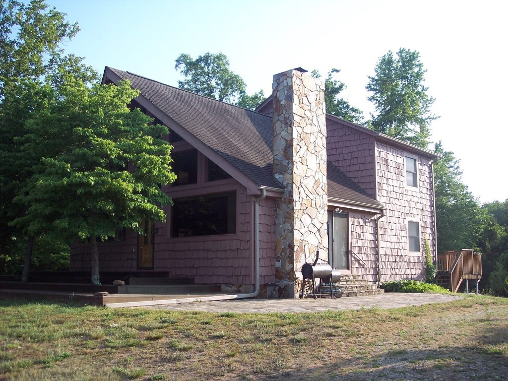 front view of lodge